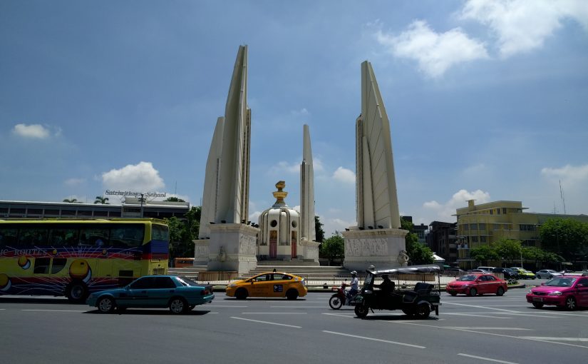 Monument de la démocratie à Bangkok