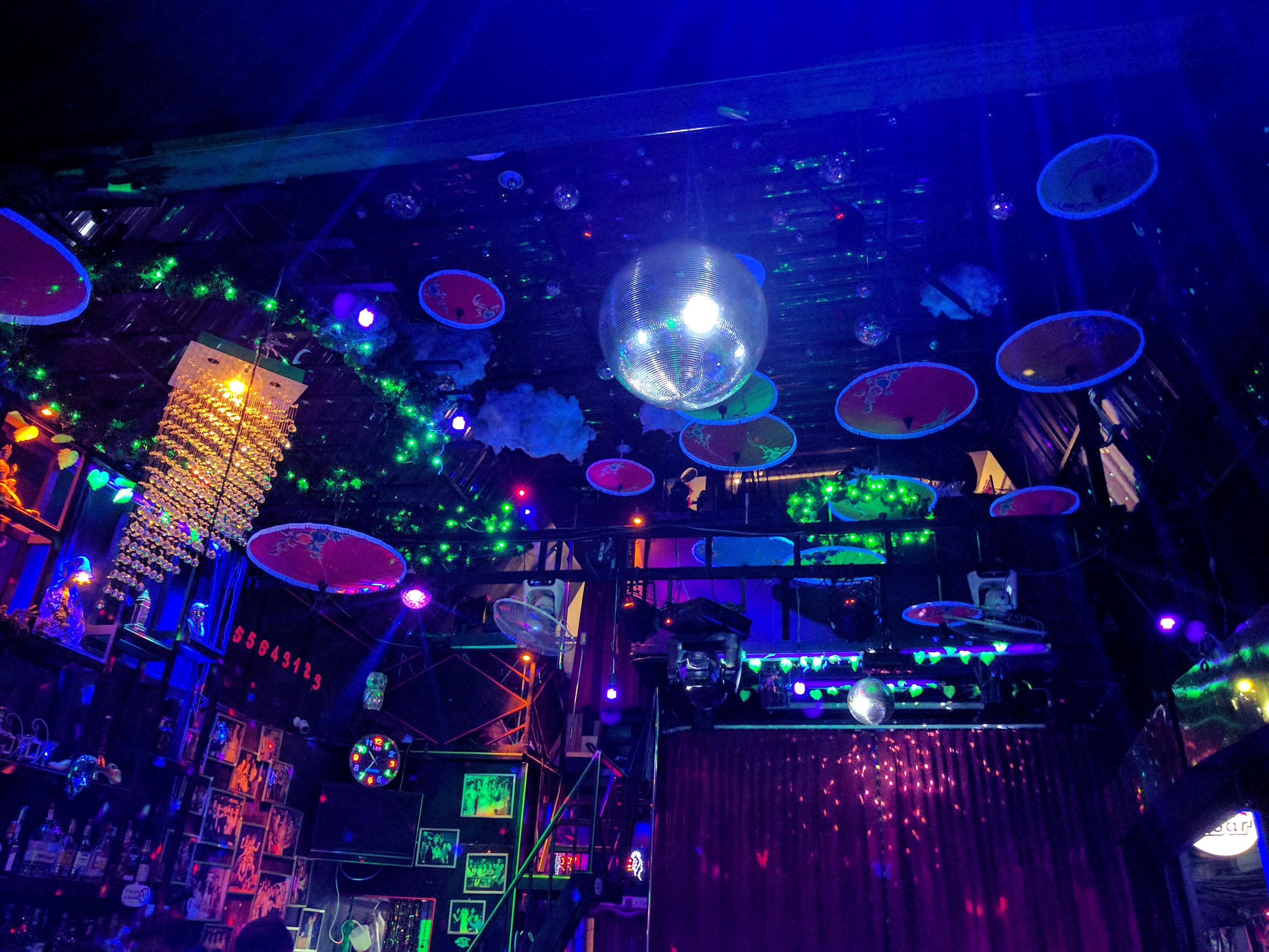 Plafond bar LB