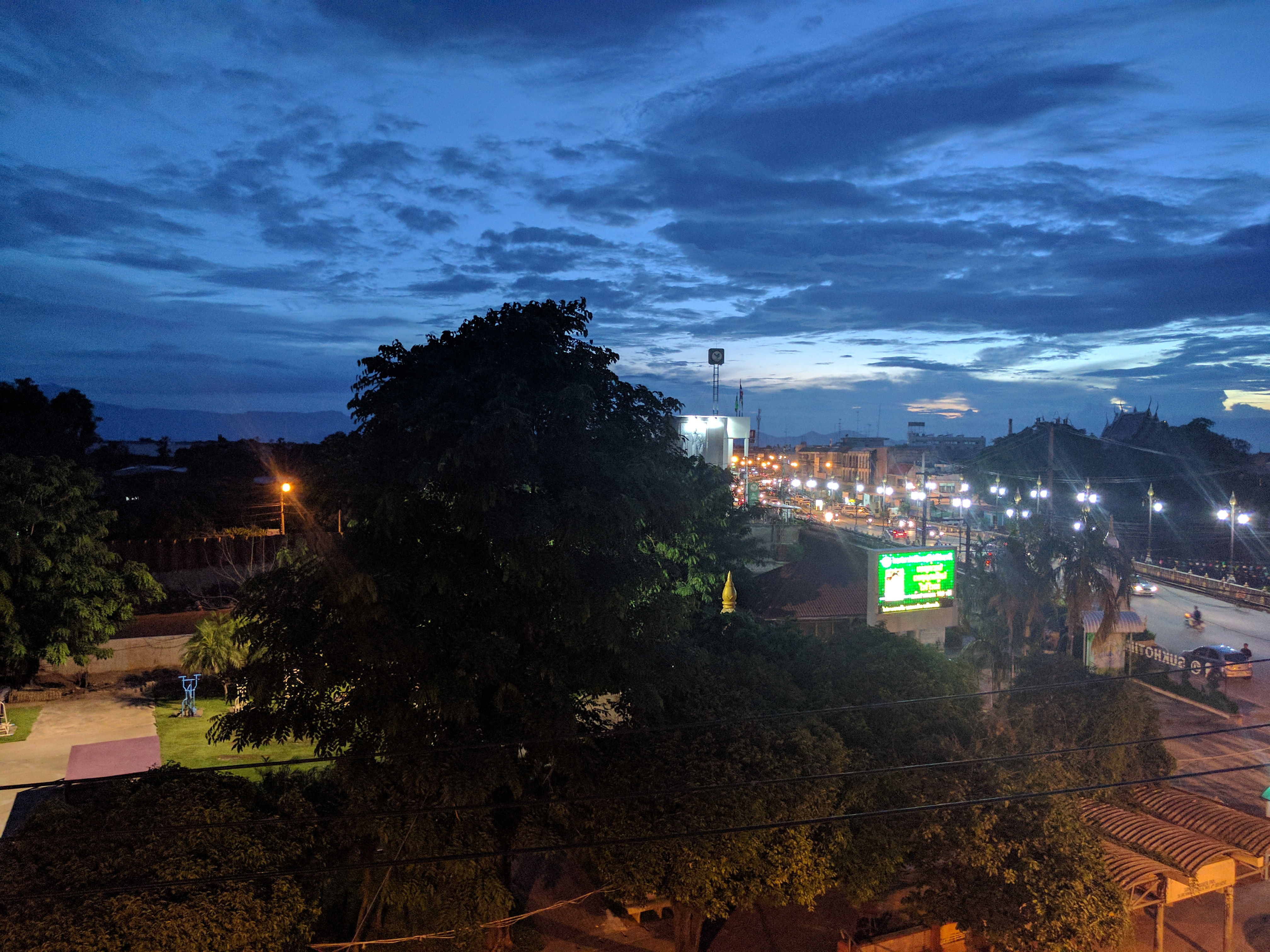 Sukhothaï rooftop view