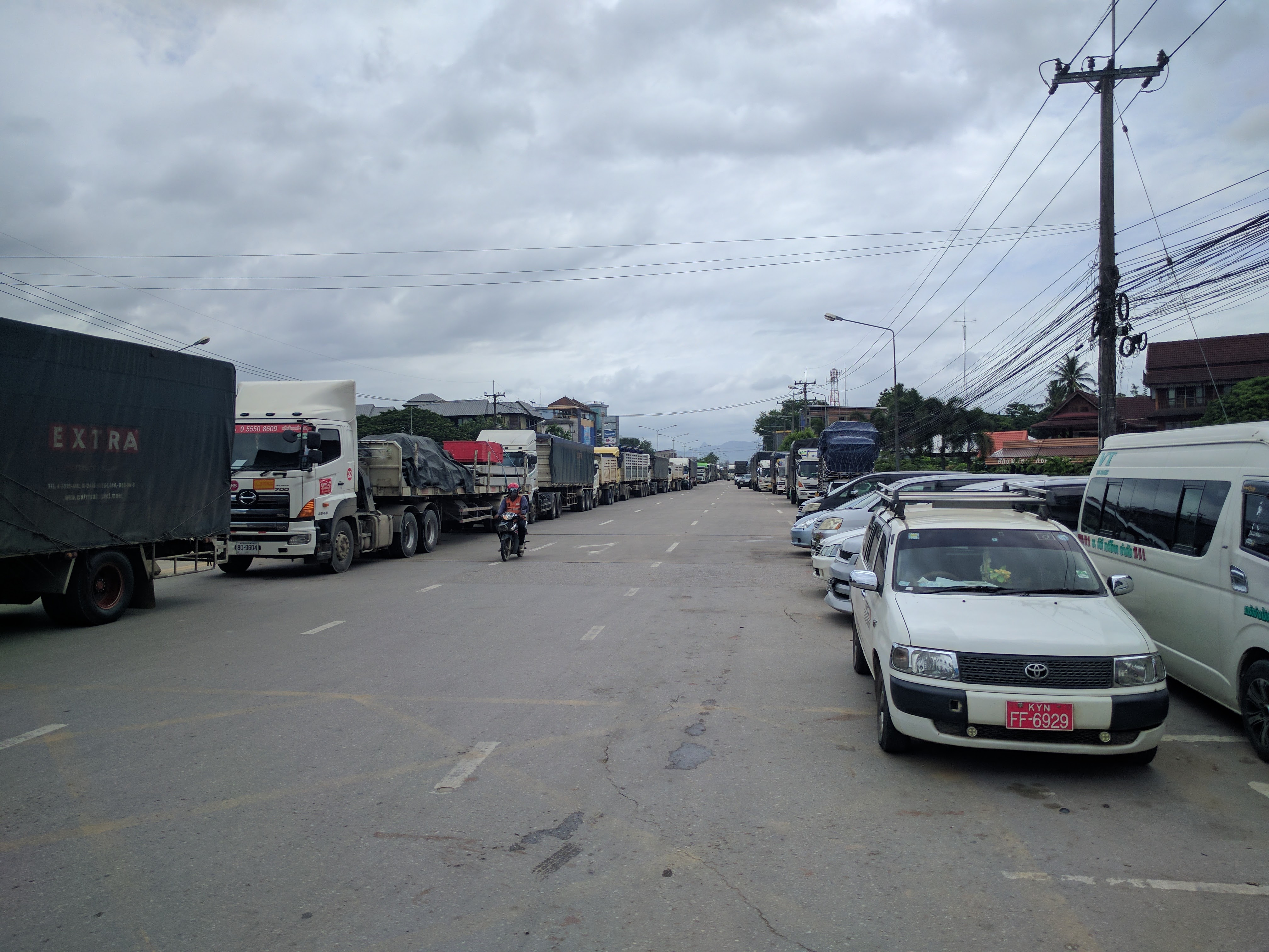 File camions Mae Sot